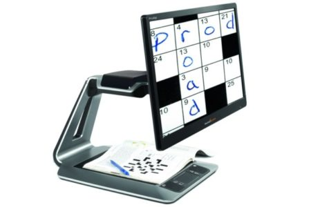 Digital table top magnifier